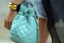 i love bags / by Lindsey Sidman