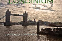 """Londinium / Londra è per noi europei quello che NYC è per gli Americani. In un dolce autunno, nel 2009, l'ho vissuta da """"londoner"""". Così il libro è nato: come una passeggiata nella mia Londra. For us living in Europe, London is like NYC is for Americans. On 2009, during a sweet fall, I lived there as a """"londoner"""": so the book has been designed, as a walk across my London. http://trentamilapiedisopralostivale.com/libri-fotografia/londinium/"""