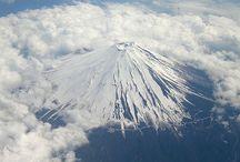Mt. Fuji / Pin photographs and paintings of Mt. Fuji