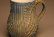 Ceramics, glass, chimes, animal vessels