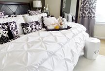 Guest Bedroom Ideas / See how I prepare room essentials for expecting guest!