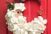 wreaths / by Patsy Schroeder
