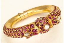 Indian jewellery!! / This Board is for all Indian Jewelry lovers!. share and contribute as many ideas and designs of beautiful and amazing Indian jewellery as much as you want on this board. Explicit and adult content is strictly prohibited!. Please send me a message for invitations.