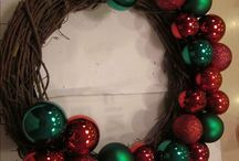 How the heck to make a wreath!! / by Laura Pollard