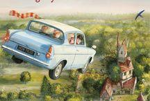 Harry Potter / Harry Potter er en serie svært populære fantasy-romaner skrevet for barn, ungdom og voksne av den britiske forfatteren J.K. Rowling. Bøkene ble kåret til de beste ungdomsbøkene gjennom tidene av NPRs lyttere i 2012