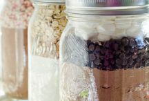 Gifts in a jar / by Renee' Holt