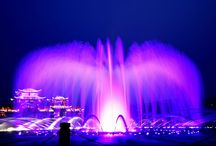 West Lake Music Fountain / There are almost no people who pass by Hubin Scenic Area without stopping for the splendid show by West Lake Music Fountain.