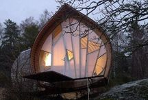 Off the Grid / Log cabins, tiny homes, country houses and straw-bale homes.