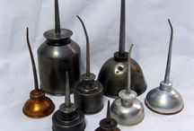 Oil cans/pumps/signs