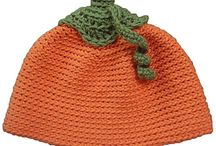 Halloween Projects to Knit & Crochet / Halloween projects to knit & crochet in Louet North America yarns or with Kollage Knitting Needles
