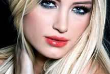 Blonde hair / Blonde highlights