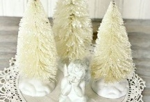 Christmas Decorations / by Tana Gilmore