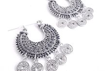Day to day jewels / Everyday jewels for any informal outfit or occasion.