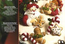 Decorazioni natalizie in feltro con casette