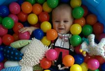 Play Ideas for Babies and Toddlers / This is the place for play ideas for babies and toddlers! From cute crafts to sensory bins, I pin anything that looks easy, quick and simple and fun!