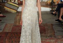 10 Best Dresses for Your Bohemian Wedding / Bohemian wedding dresses, in lace and chiffon, embroidered with beads, shells and stones