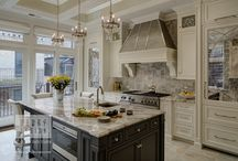 Chicago Illinois Kitchens / Kitchen remodels, redesigns, and ideas all in Chicago Illinois. Including modern kitchens, contemporary kitchens, transitional kitchens, and traditional kitchens all done by award winning Drury Design Kitchen and Bath Studio.
