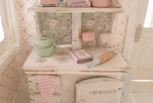 Miniature - Forniture / by Rita G