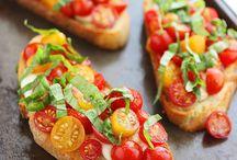 Pizza Recipes / by Jill Nesnadny
