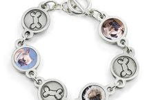 Lila Personalized Pet Photo Bracelet / The Lila Photo Bracelet is delicately proportioned to mix and match photos of your dog or dogs with dog bone charms for a custom design.  Re-live the love!