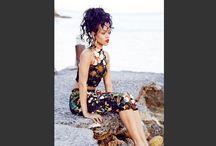 Los looks de Rihanna / La cantante ha compartido extravagantes outfits que porta en su gira por el mundo