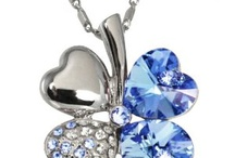 Accessories / Jewelry, rings, necklaces, earrings, bracelets, purses, bags, gloves