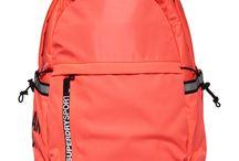 Rucksäcke / Daypacks für Frauen / Modische & praktische Rucksäcke & Daypacks für Frauen.