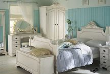 Beautiful Bedrooms / The bedroom is everybody's safe haven and space to relax and unwind. Create the room of your dreams by taking inspiration from our board.