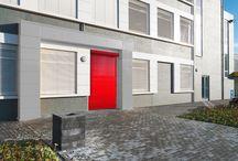 Automatische rolluiken, roldeuren & snelloopdeuren / Vanwege het gemak, de veiligheid en tijdswinst wordt er in fabrieken en magazijnen veelvuldig gebruik gemaakt van roldeuren en snelloopdeuren.