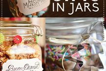 Holidayzz in a Jar / by Cheryl Duprey