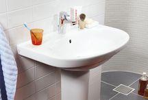 Tvättställ / Ett bra tvättställ ska vara enkelt att hålla rent samtidigt som det ska hålla länge, därför har alla våra tvättställ en genomgående hög porslinskvalitet. Sedan är förstås designen viktig! Oavsett hur ditt badrum ser ut och vilka estetiska preferenser du har, finner du i vårt sortiment ett stort antal modeller och storlekar. Oavsett om du är ute efter ett litet, stort, lyxigt eller mer funktionellt badrum så har Gustavsberg ett tvättställ som passar dig.