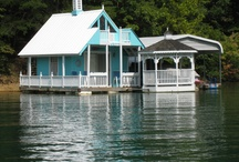 Lake house / Cute houses by the lake