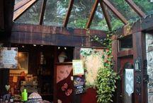 Cafés, Bars und Restaurants