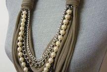 Трикотажное ожерелье
