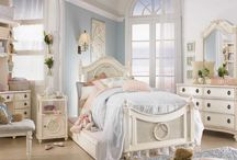 100 kids bedroom ideas / Decorating the kid's bedrooms is always a challenge. They have a lot of ideas but not all of them may be to your liking, and your 'grown-up' take on the matter may not be quite what they had in mind either. So, we're bringing you this collection of inspirational rooms.