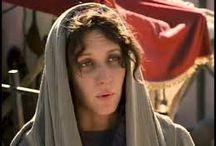 A hit szemével / Isten figyelmét nem kerüli el a jó emberek nehézségei és a segítségükre siet!