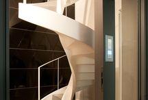 Loft BB / In un interno cortile del centro a Torino, il rinnovamento radicale di un ex magazzino risponde ai desideri di una committenza giovane e dinamica che ricerca uno spazio abitativo fluido come un loft, altamente rappresentativo, glamour e accogliente.