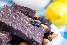 raw food heaven / mother nature's treasures captured in yummy recipes...