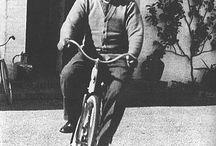 gente en su bici