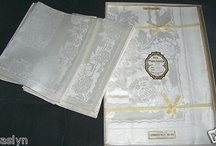 ANTIQUE DAMASK BANQUET CLOTH & MATCHING NAPKINS-MINT CONDITION. CHECK IT OUT!!