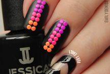 Stud nails