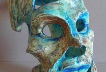 """Himere / Sculpturi  ( tehnica lac ) realizate din papier mache in 2015. In mituri  Himerele  erau creaturi  cu capete  si corpuri ciudate.  In viata de zi cu zi monstrii  trec pe langa noi si ne zambesc """" candid"""" ."""