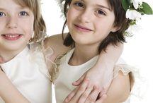 Kinder auf der Hochzeit / Eine Hochzeit ohne Kinder geht nicht. Wie können Sie die kleinen Gäste bei Laune halten? Auf Moderne Hochzeit erfahren Sie unter Ratgebern mehr Informationen über Kinder auf der Hochzeit.