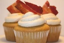 Cakes & Cupcakes / by Chrystal Landals