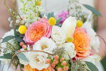 Bouquets & Floral Arrangements / by SVwj Vang