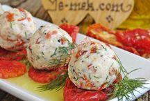 Kuru domatesli peynir topları