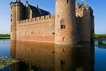 Kastelen en Paleizen / Nederland heeft veel prachtige kastelen... Bewonder de rijke  historie, verhalen en het leven in deze kastelen..prachtig.