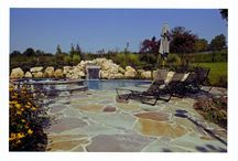 Landscaping Elements / Elite Pools not only specializes in mastering the design of your pool, but we also can create beautiful landscaping elements for your background. Make your home your paradise!