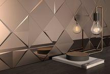 ALEATORY / Revestimiento que ofrece una interpretación personal y contemporánea del azulejo 3D, permitiendo generar espacios y superficies tridimensionales. Una serie en formato 15×15, con tres relieves diferentes que para disponer de numerosas variantes decorativas en función de la posición final de la colocación de cada pieza.