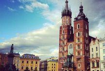 Dlaczego powinieneś wybrać Kraków? / Kraków to optymalne miejsce, by studiować zarządzanie w sporcie i zarządzanie w turystyce. Kraków – od kilku lat wygrywa wszelkie rankingi na najchętniej odwiedzane przez turystów polskie miasto. Niepowtarzalny charakter Krakowa, niezliczona ilość zabytków i atrakcji turystycznych sprawia, że można się tu rozwijać!